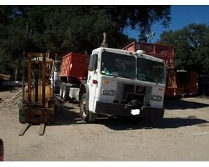 Peterbilt 320 Roll-Off Truck