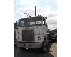Volvo WHR64T Roll-Off Truck