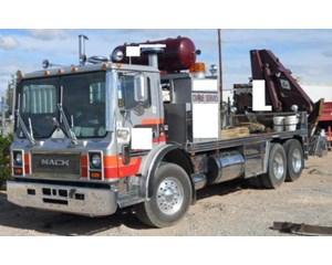 Mack MR686S