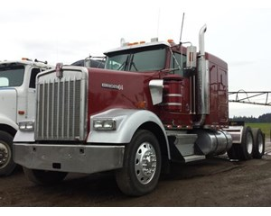 Kenworth W900 Sleeper Truck