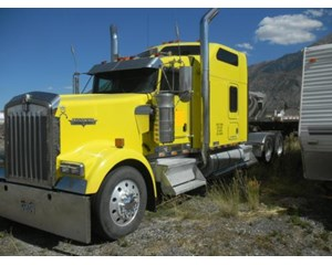 Kenworth W900 Sleeper Truck