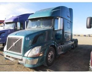 Volvo VNL64T430 Sleeper Truck