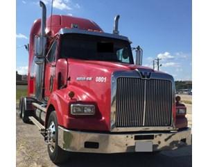 Western Star 4900 SA Sleeper Truck