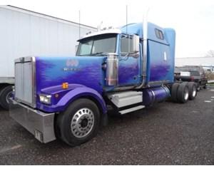 Western Star 4964 EX Sleeper Truck