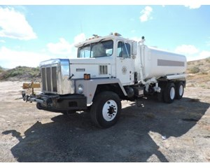 International Harvester F2275  Paystar 5000