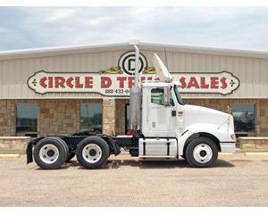 International 9400i Day Cab Truck