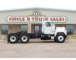Mack R686ST Flatbed Dump Truck