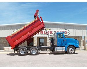 International 9400i Heavy Duty Dump Truck