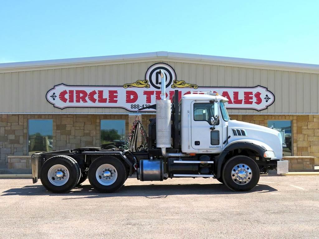 2009 Mack Granite GU813 Tandem Axle Oil Field Truck - MP8