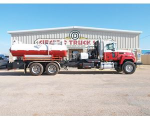 Mack CH613 Roll Back Truck