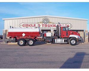 Mack VISION CX613 Tank Truck