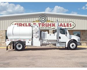 Freightliner BUSINESS CLASS M2 106 Water Tank Truck