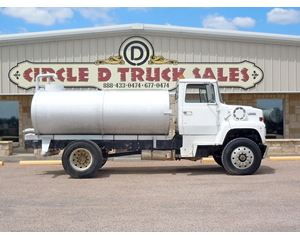 Ford L8000 Water Wagon