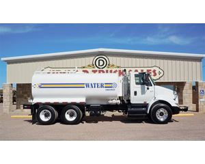 International 8600 Water Wagon