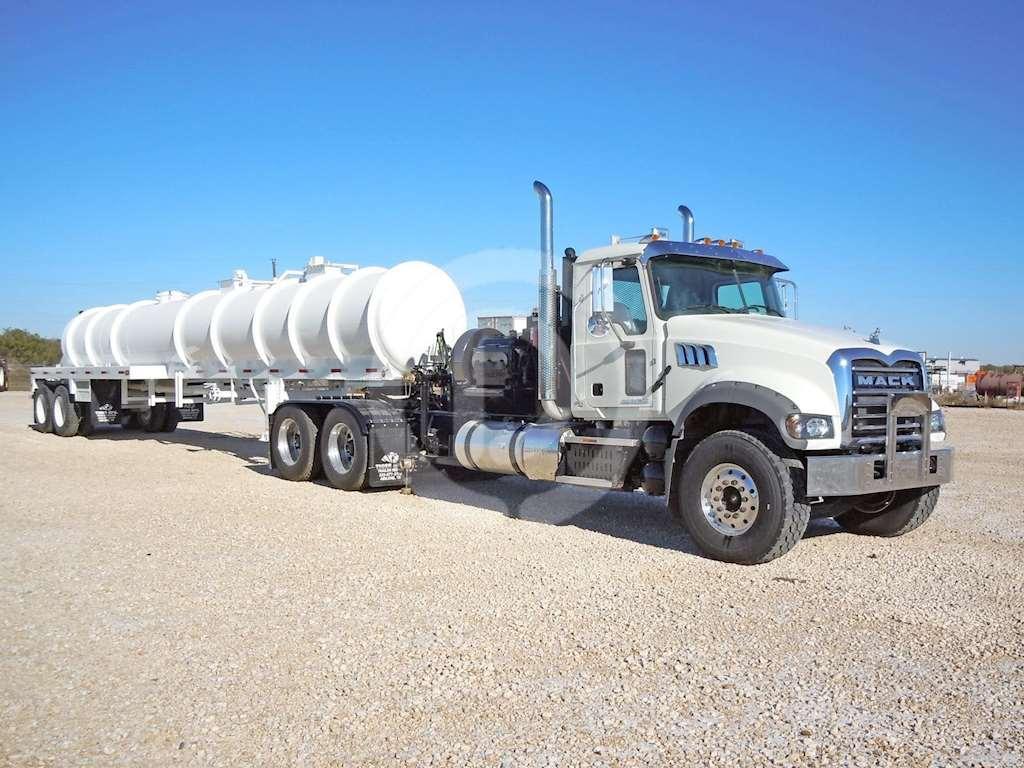 ten auto 672573 construction machinery crawler excavator hyundai r 320 lc 7 also 2015 Mack Granite Gu713 Winch Oil Field Truck 8547342 additionally The Future Of Heavy Truck Technology also Xl4 Car 24 Hd additionally 548. on semi tractor trailer weight