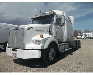 Western Star 4900SA Sleeper Truck