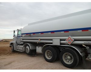 Freightliner D1284S W Beall 5400 4X Tank Truck