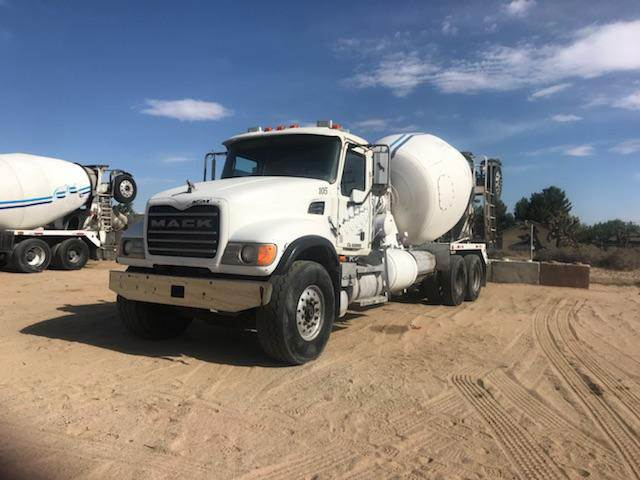 2001 Mack RD686S Mixer / Ready Mix / Concrete Truck For Sale
