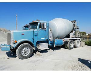 2001 Peterbilt 357 Mixer / Ready Mix / Concrete Truck