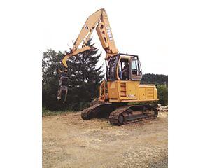 John Deere 200LC Log Loader