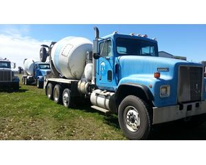 International 5000 (PAYSTAR) Mixer / Ready Mix / Concrete Truck