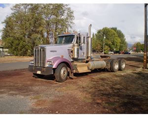 Kenworth W900L T/A Truck Tractor Conventional Truck