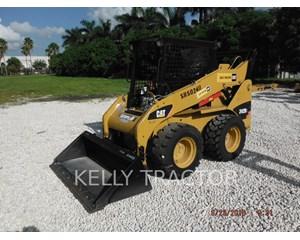 Caterpillar 242B3 Skid Steer Loader