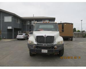 International 4200 VT365 Water Truck