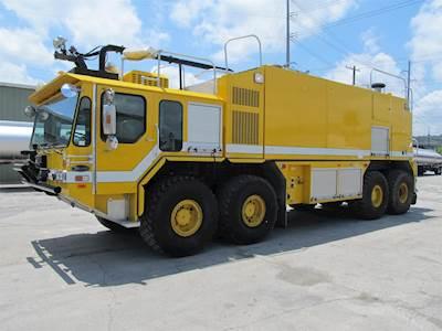 1999 E-One TITAN HPR 8x8 Fire Truck