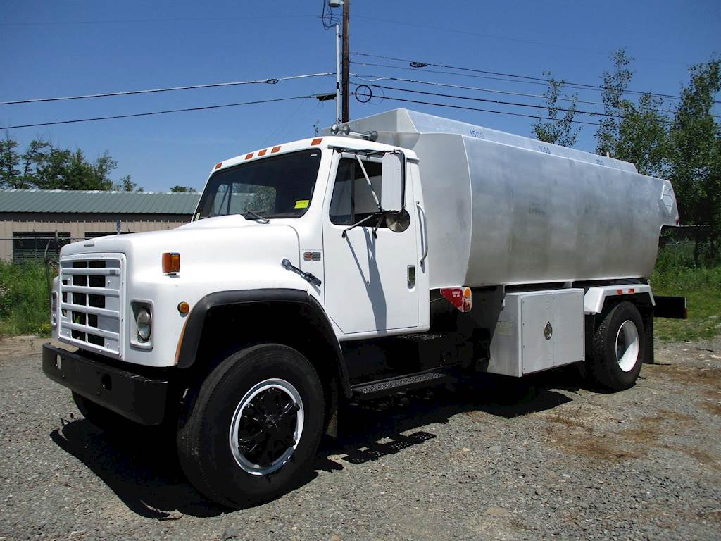 1988 International S1900 Gasoline / Fuel Truck