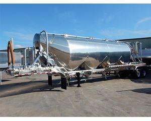 Vantage 1600 Dry Bulk / Pneumatic Tank Trailer