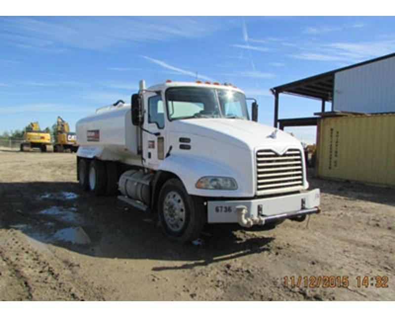 Mack PINNACLE CXP613 Water Truck