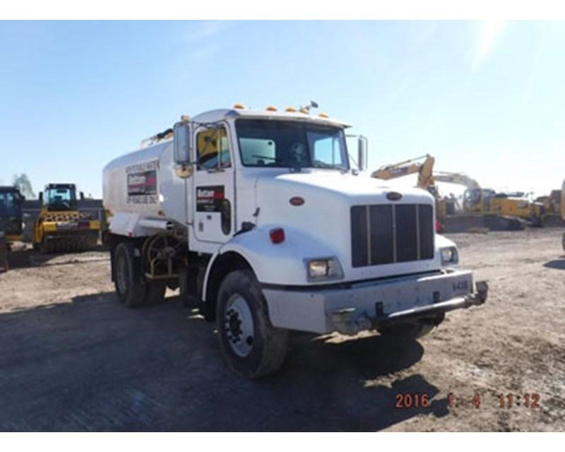 Peterbilt 330 Water Truck
