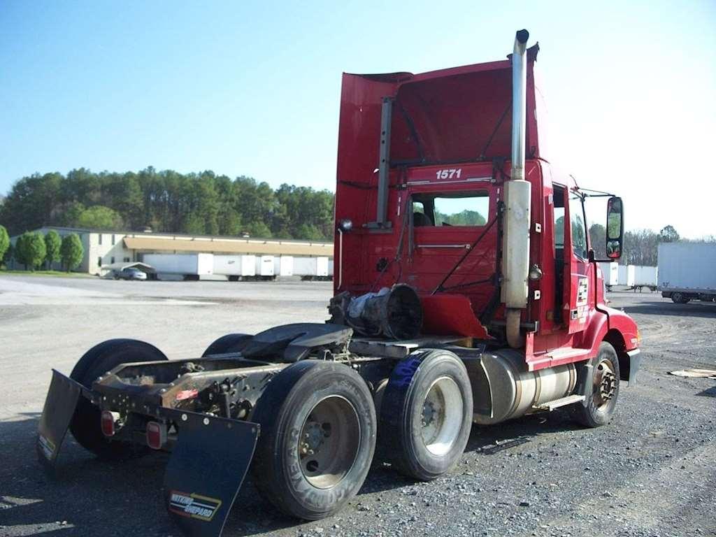 2002 Volvo VNL64T300 Day Cab Semi Truck For Sale, 408,154 Miles | Atlanta, GA | 1571TP ...