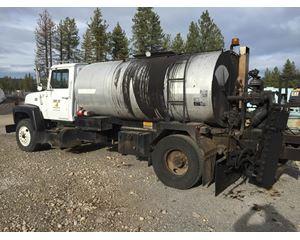 Ford 9000 Oil Tank Truck