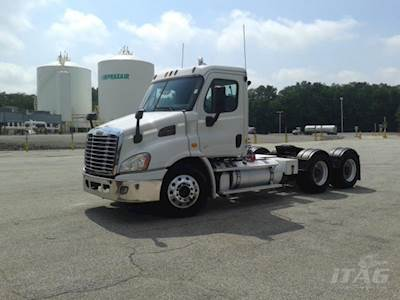 2014 Freightliner Cascadia Day Cab Truck - Detroit DD13 Engine, 10 Speed  Manual Eaton Transmission, 622K Miles