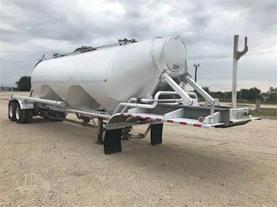 Used Dry Bulk & Pneumatic Tank Trailers For Sale | iTAG