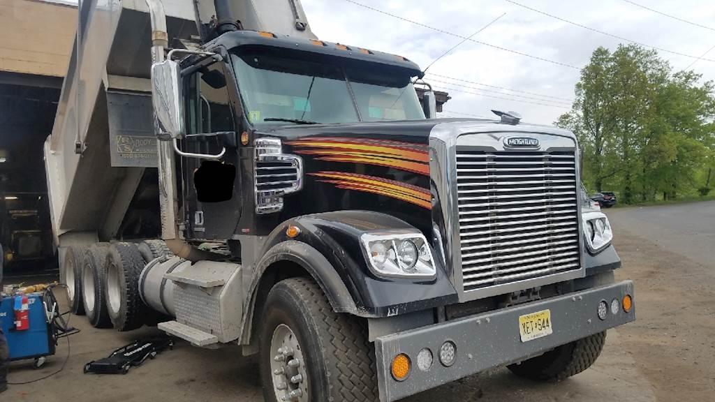Used Dump Trucks >> 2012 Freightliner Coronado Used Dump Truck Tri Axle Cummins 550hp