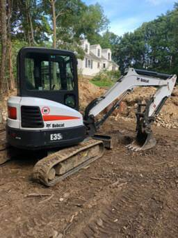 2014 Bobcat E35 Excavator - Enclosed Cab, A/C & Heat, Hydraulic Thumb,  Radio For Sale, 913 Hours | Online Wholesale Deal, TX | 9495258 |