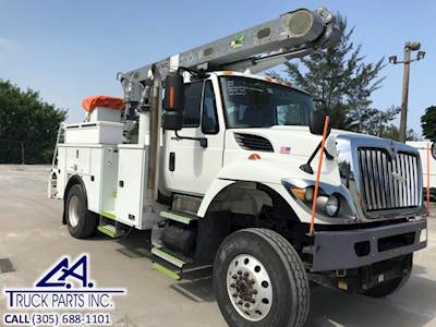2012 International 7300 Boom / Bucket Truck