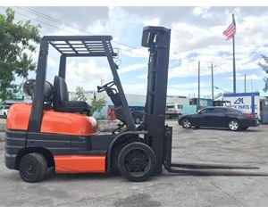 Toyota 52-6FGCU30 Forklift