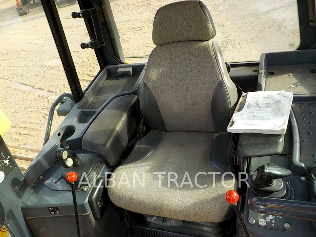 Crawler dozers further John Deere 770 Tractor For Sale furthermore Crawler dozers in addition 2013 John Deere 750k Crawler Dozer 8887217 further D39ex 21 Crawler Dozer. on john deere 750k dozer