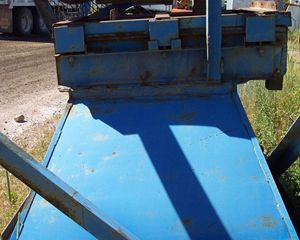 Shop Built Load out hopper with Plate Feeder and Grizzly Hopper