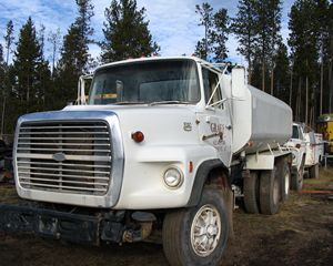 Ford LTS8000 Water Truck