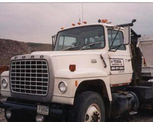 Ford LT9000 Winch Truck