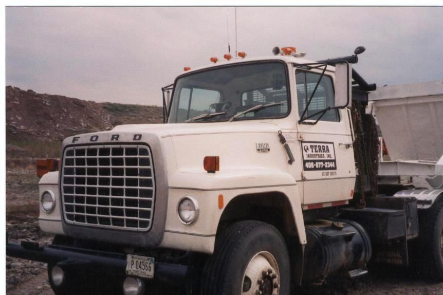 1983 Ford LT9000 Winch Truck