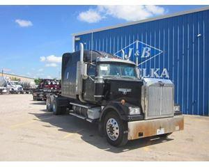 Western Star 4964 Sleeper Truck