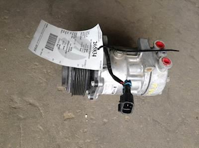 Cummins ISX A/C Compressor for a 2005 Peterbilt 378