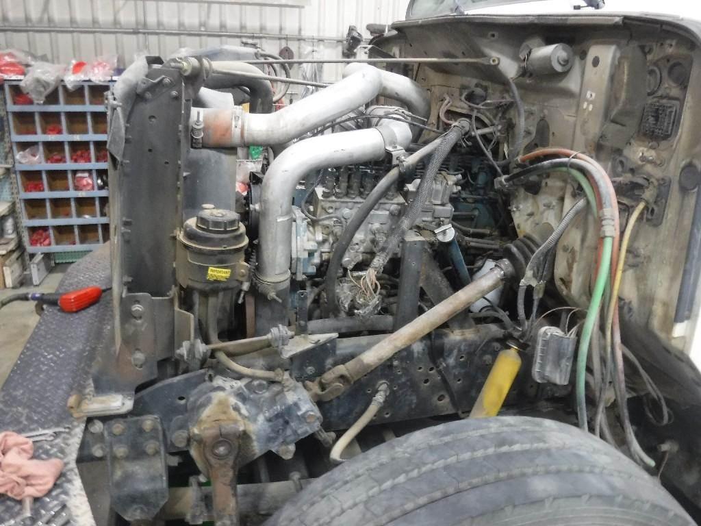 International DT466 Air Compressor for a 1995 INTERNATIONAL 4900
