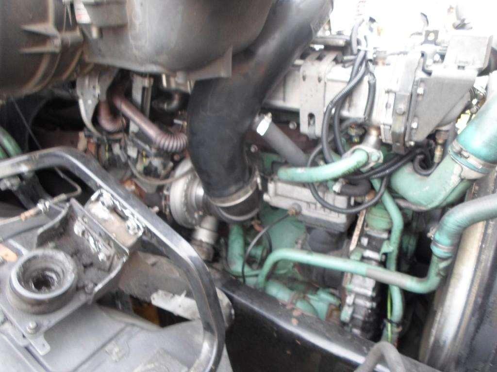 Volvo D12 Engine Brake For A 2004 Gmc  Volvo  White Vnl660